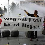 Spontandemo am Stachus in München 7.9.2014 mit Ilona Haslbauer (rechts am Transparent)